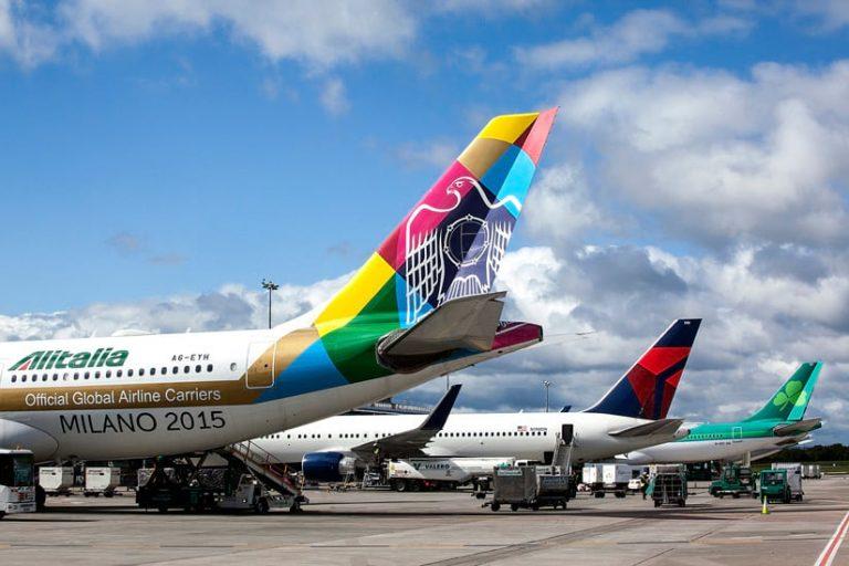 В аэропорт Дублина в Ирландии прилетают самолеты со всего мира.